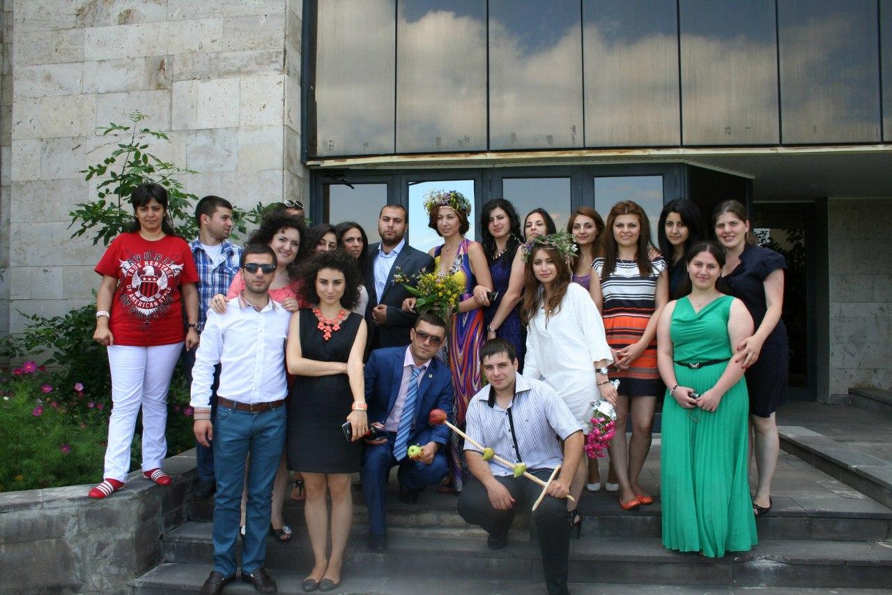 Гости свадьбы, Цахкадзор, Армения