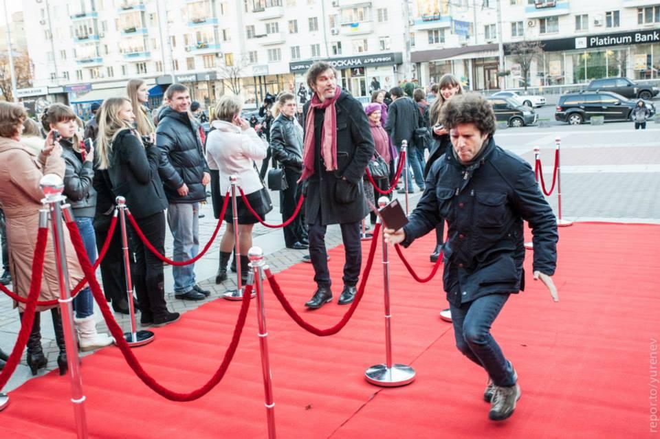 """Луи Франк на красной дорожке кинофестиваля """"Молодость"""""""