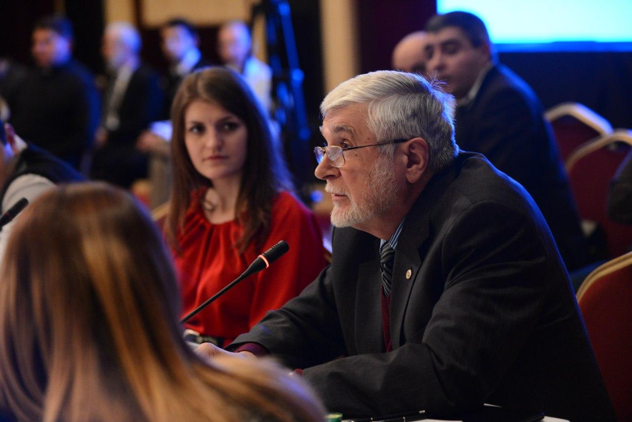 Александр Божко, экс-посол Армении в Украине, говорит по-армянски лучше, чем половина этнических армян (субъективная оценка TheNorDar)